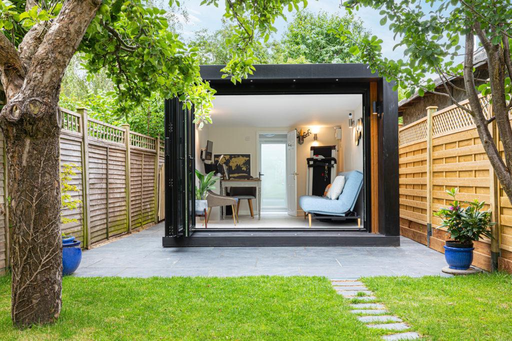 Modern garden office pod